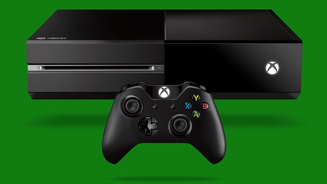 Imagen de la Xbox One negra con su mando inalámbrico
