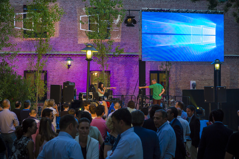 Delafé y las Florez Azules poniendo el ritmo en el evento