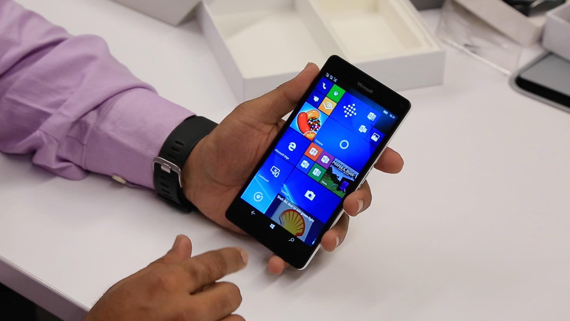 Imagen de un Lumia 950 XL