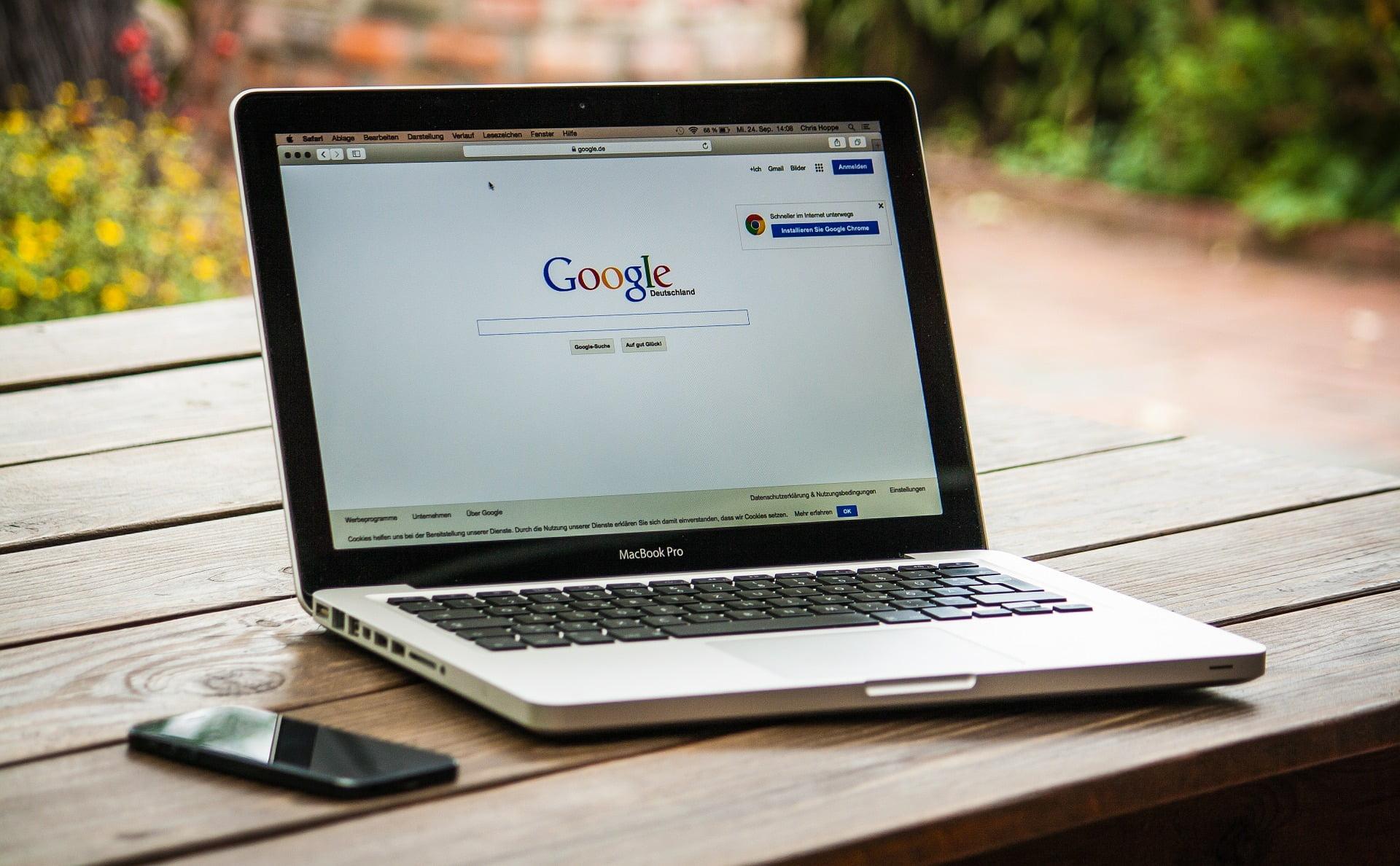Macbook con Google