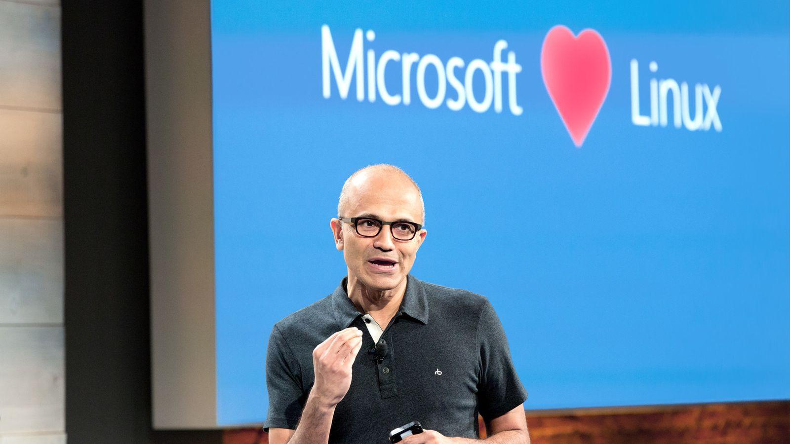 Satya Nadella hablando de la acogida de Linux dentro de Windows 10