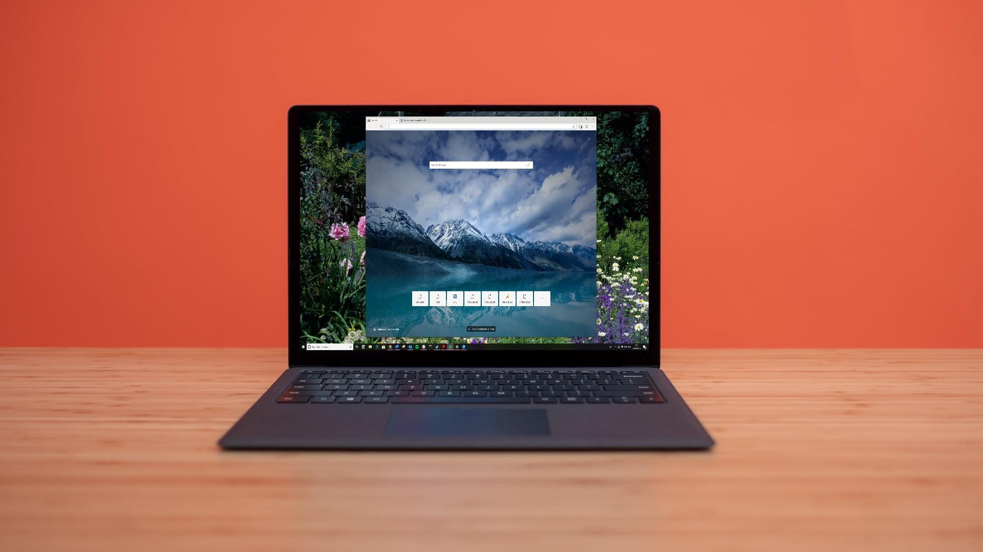 Ordenador portátil con Edge sobre Chromium
