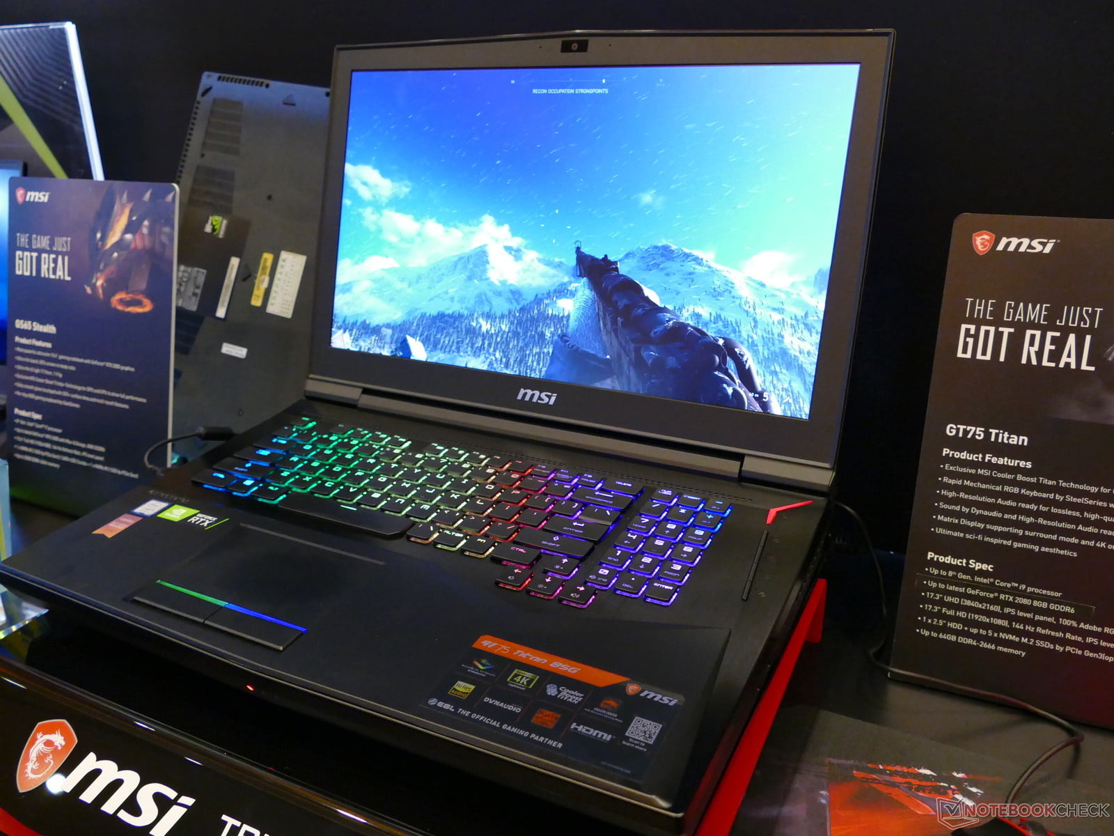 Frontal con teclado retroiluminado del MSI GT75