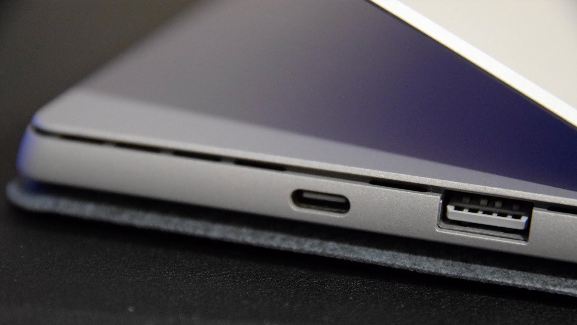 El USB C de Surface Pro 7