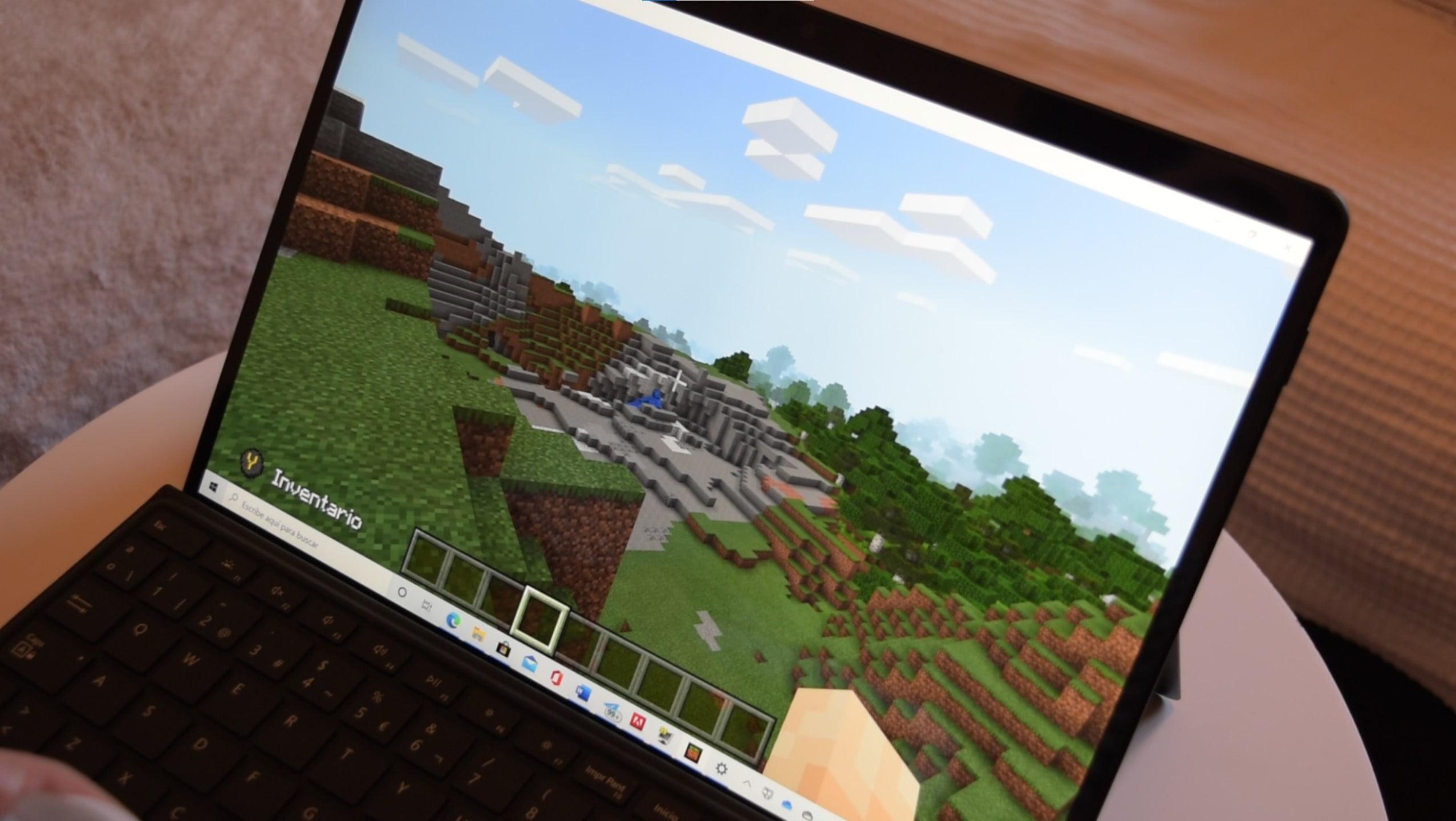 Minecraft UWP funcionando en Surface Pro X