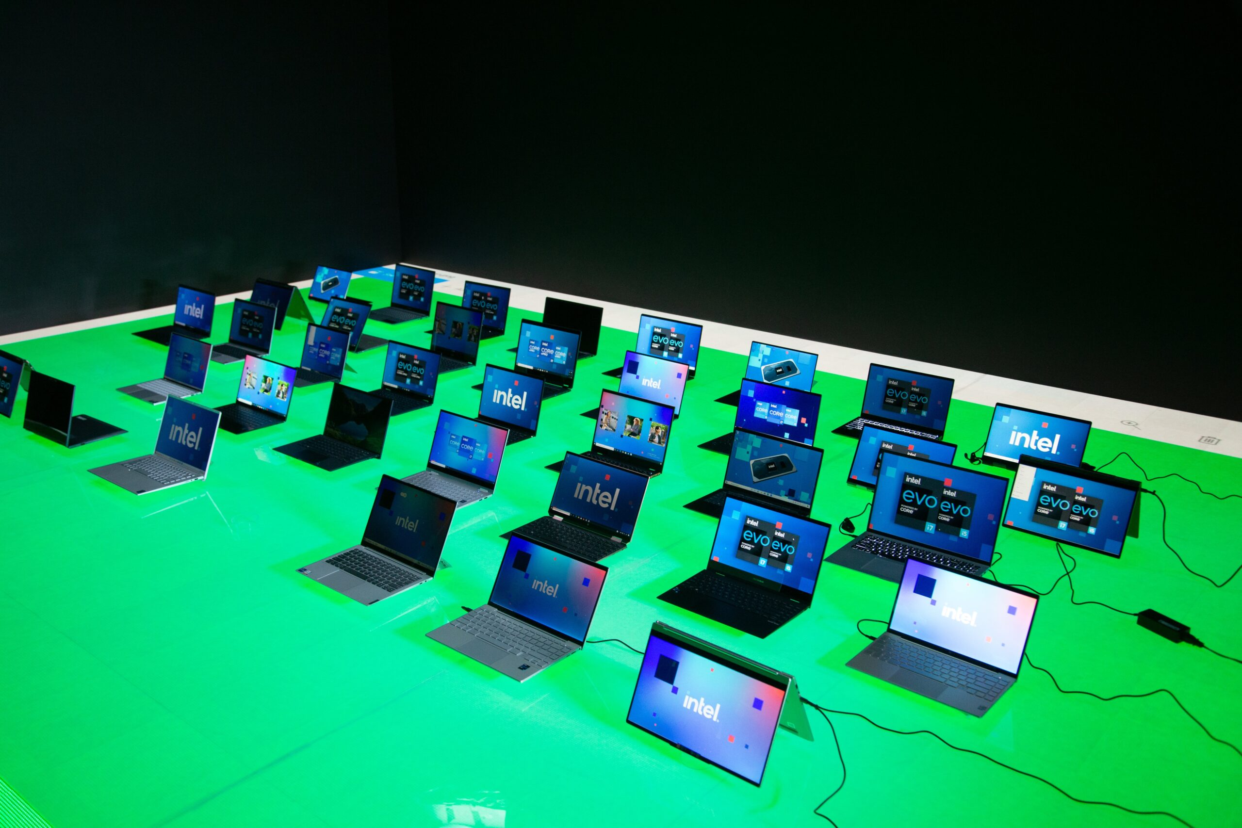 Equipos de varios OEM con los nuevos procesadores Intel Core vPro Generación 11