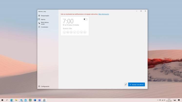 Nuevo diseño del tema claro de la app de Alarmas y reloj en Windows 10