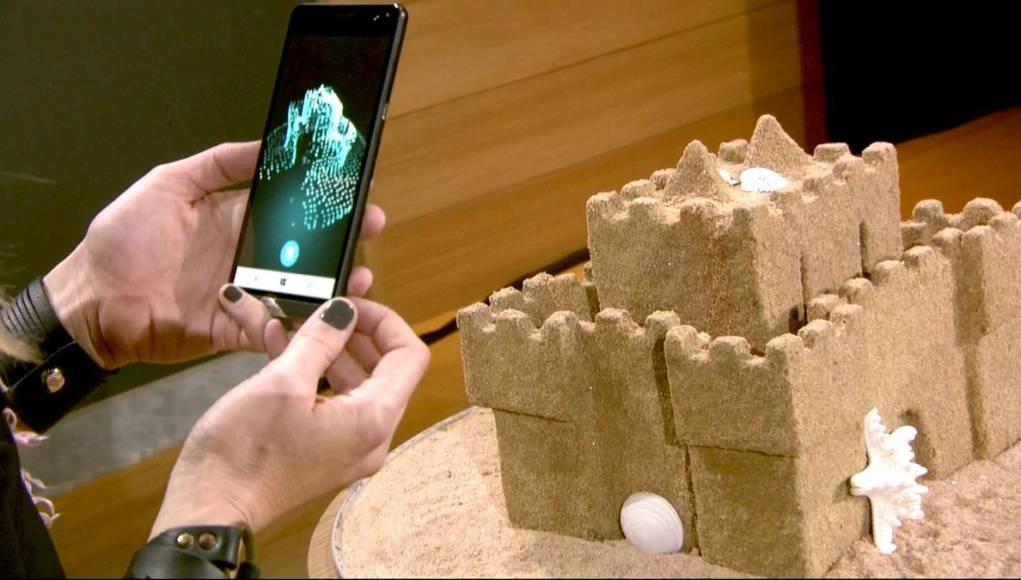 Evento de presentación de Windows 10 Creators Update, donde se capturaba un castillo de arena y se visualizaba en Paint 3D