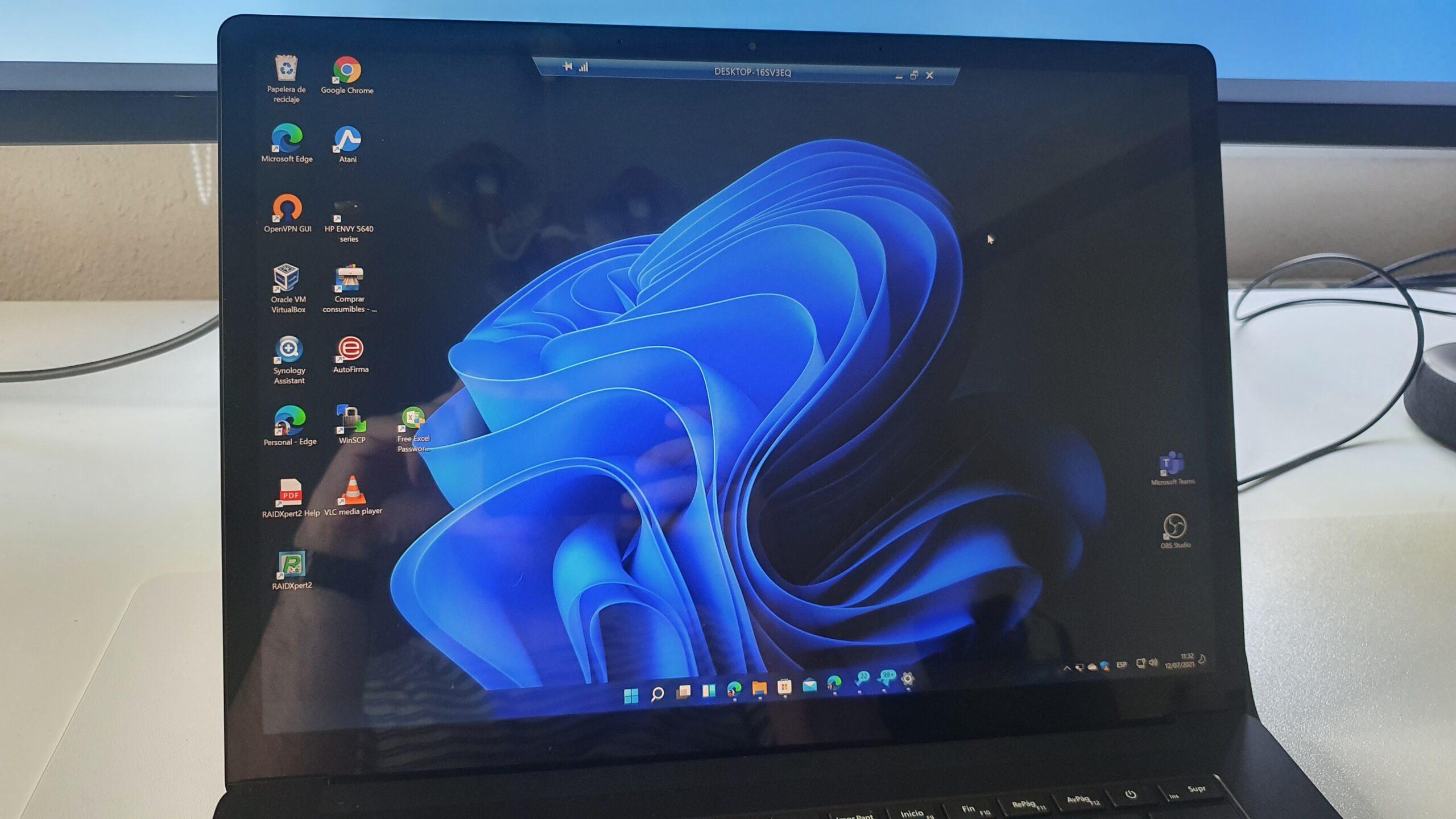 Escritorio remoto con Windows 11 en Surface Laptop 4