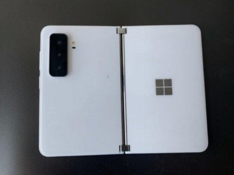 Parte trasera de Surface Duo 2